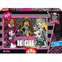 200 Monster High Educa